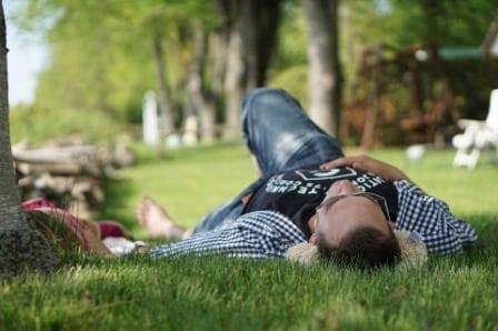 cuáles son los beneficios de la siesta