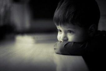 niño con baja autoestima