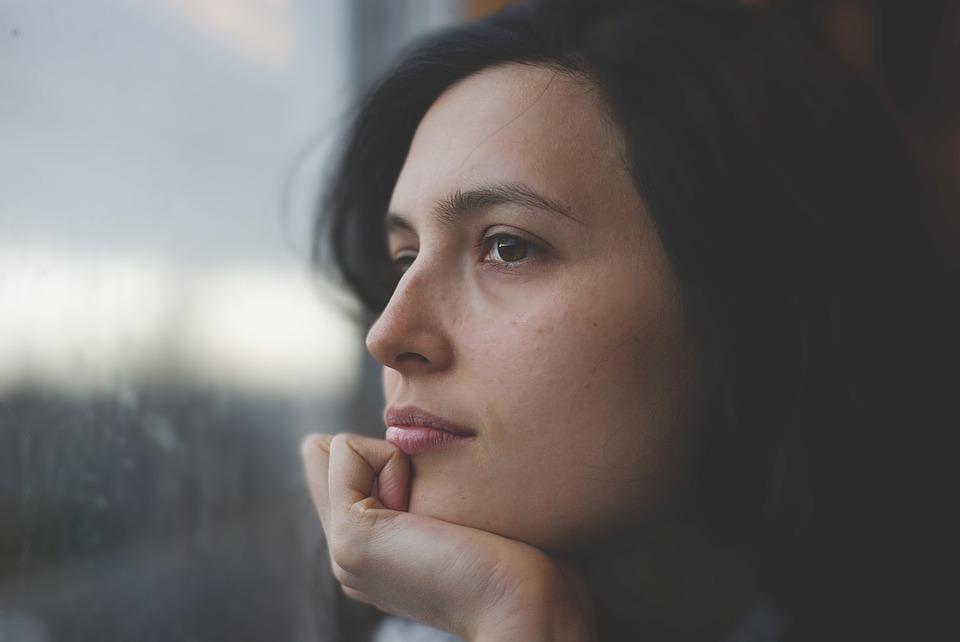 cuales son los síntomas disociativos